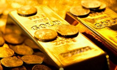 Hedge fund guru Ray Dalio suggests Gold as a hedge - How about Bitcoin?