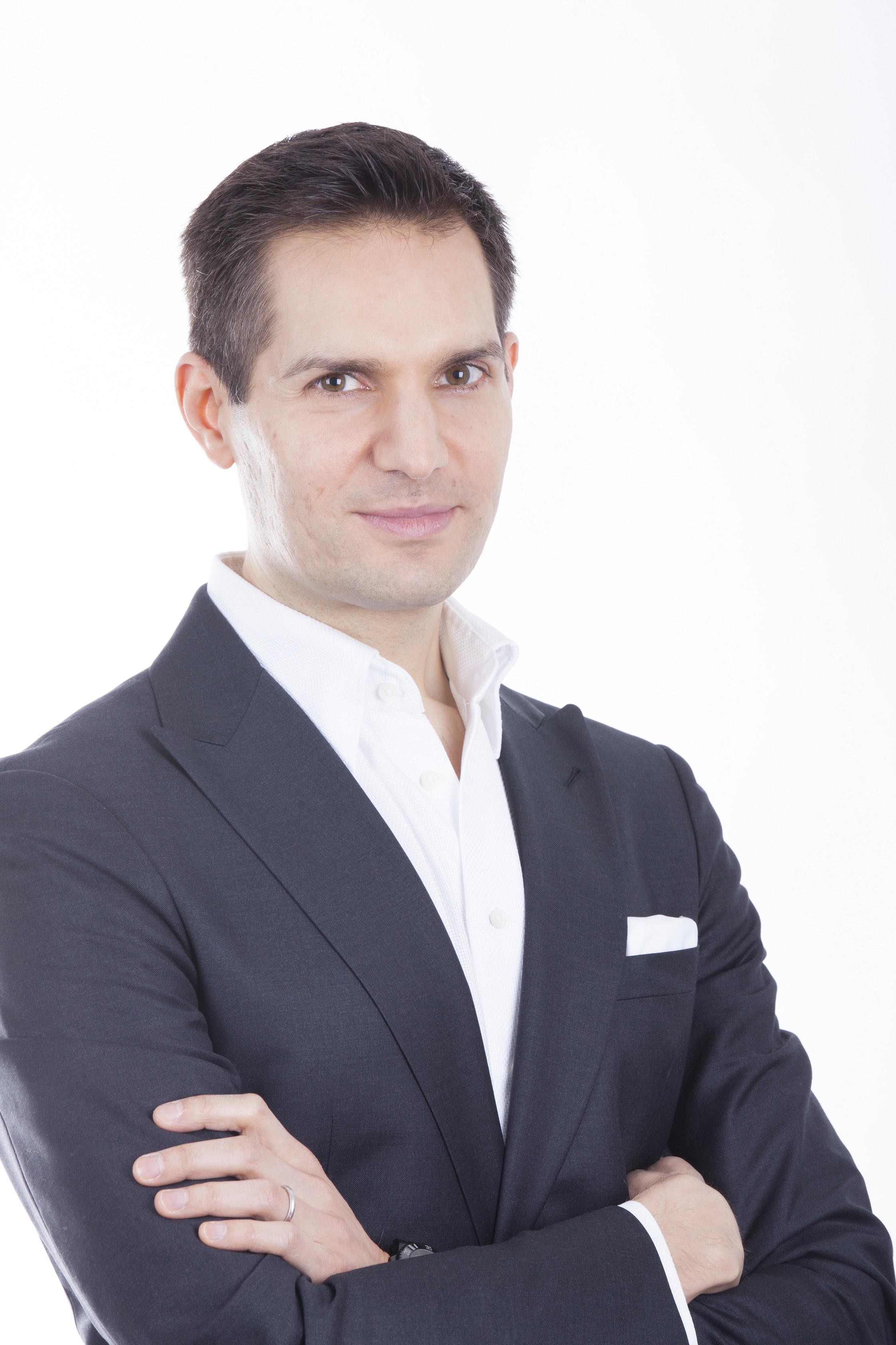 Yasin Sebastian Qureshi, Aqua Digital Rising